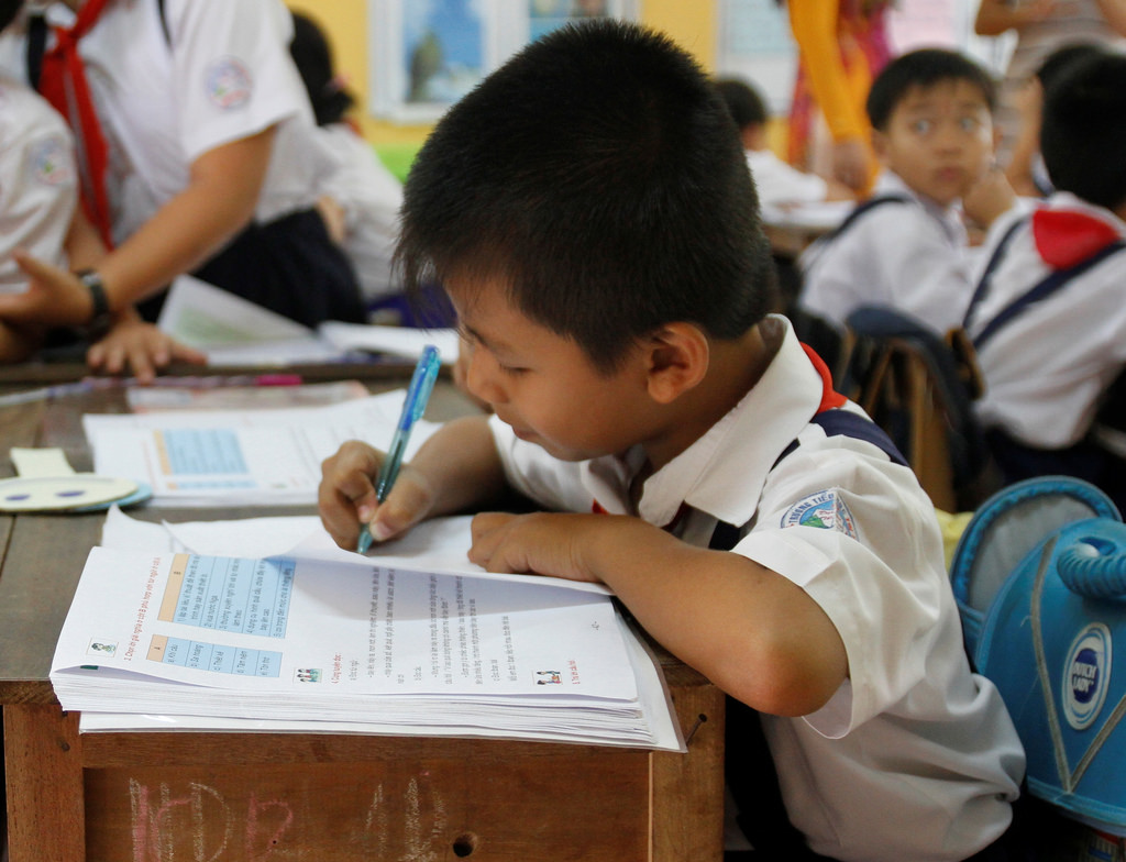 vietnam education Detailed information on education system in vietnam, higher education, education law, costs, university and college faculty, students, enrollment, testing, grading, overseas study in vietnam, problems and future goals.