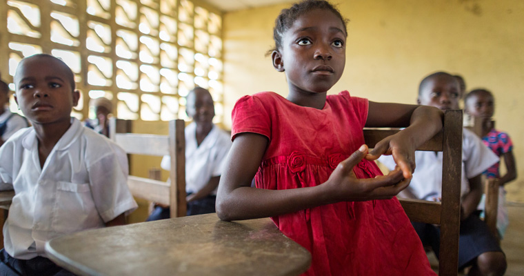 Hawa Ben, 10, is in first grade at Vincent Town Public School in Liberia. This school receives a GPE school grant.