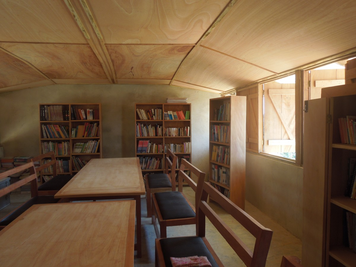 The brand new library at Egyeikrom refugee camp for Ivorian refugees opened in May. An exciting opportunity for more reading time. The downside is that most textbooks are still in French and children need English story books.