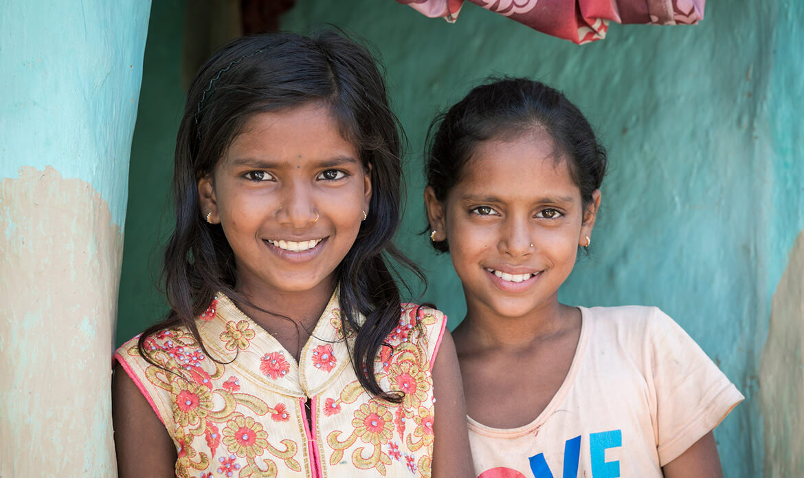 Barsha Kumari Pashawal, 12 (left) and her best friend (and neighbor) Chandni, 11. Credit: GPe Kelley Lynch