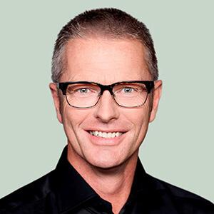 Hon. Flemming Møller Mortensen, Ministre de la Coopération au développement et ministre de la Coopération nordique, Danemark