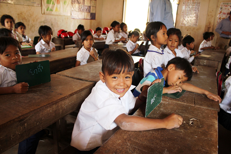 Students in class at the Banteay Dek Primary School. Credit: GPE/Livia Barton