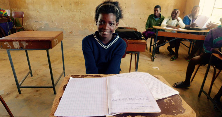 13-year-old girl attends grade 7 at Sanjogo school in Zambia. Credit: GPE/Carine Durand