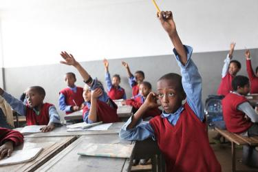 Students raising hands at the Hidassie School. Addis Ababa, Ethiopia. Credit: GPE/Midastouch