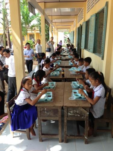 A school lunch is provided to minority children in Tra Vinh province to encourage them to stay in school for the whole day. Vietnam. Credit: GPE/Koli Banik