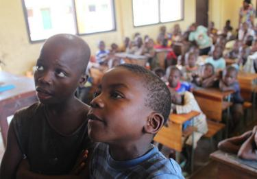 School quickly brings a sense of normalcy to many children after the crisis. CAR, 2015. Credit: UNICEF/KIM