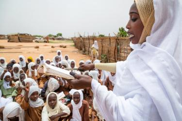 A teacher holds class outside in the midday heat after one of the classrooms, Sudan. Credit: GPE/Kelley Lynch
