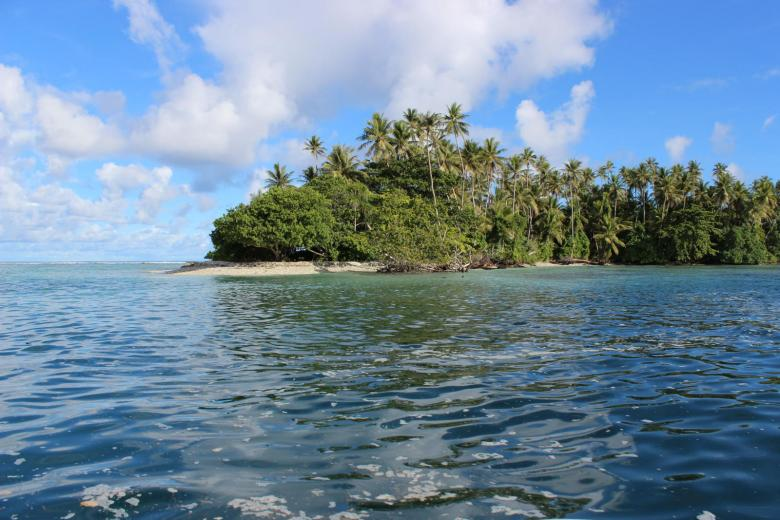 View of one of the islands of the Federal States of Micronesia. Credit: East Asia and Pacific photo Library / World Bank