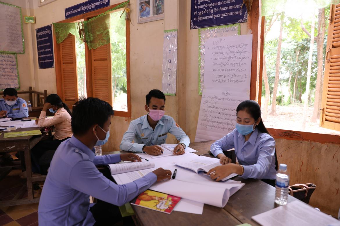 School-based mentors participate in a training on early grade mentoring in Chhlong district. Credit: UNESCO Phnom Penh