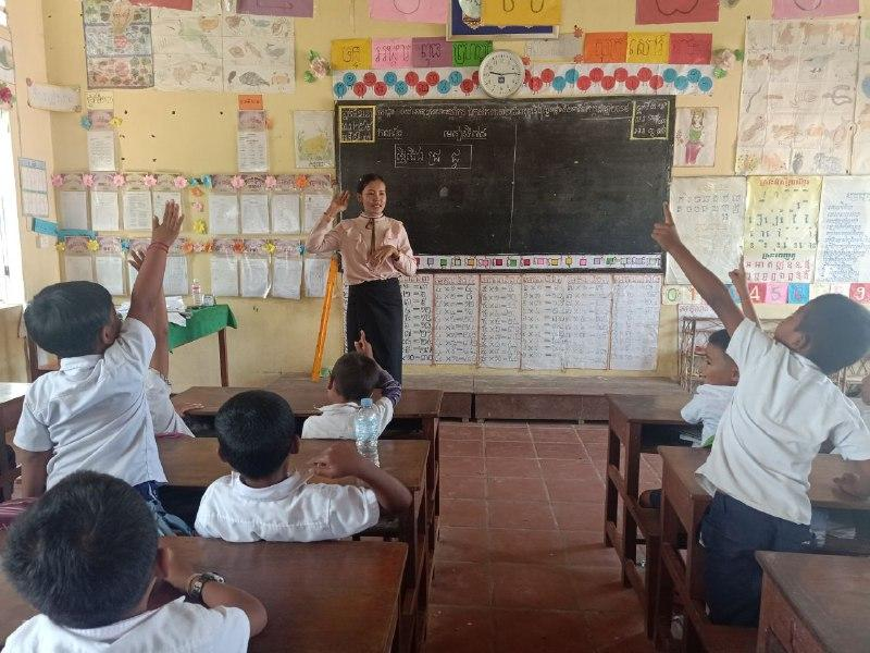 Students engaging with the teacher during a class in one of the pilot schools in Siem Reap. Credit: UNESCO Cambodia