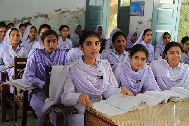 Girls in a classroom in in Khyber Pakhtunkhwa, Pakistan (c) Vicki Francis/Department for International Development - UK